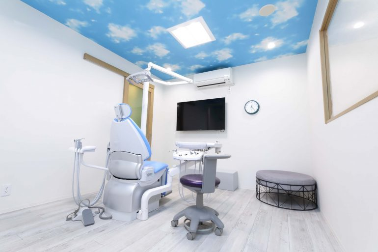 プライバシーに配慮された個室診療室